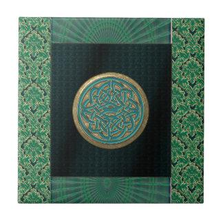 Nudo céltico en modelo negro y verde del brocado azulejo