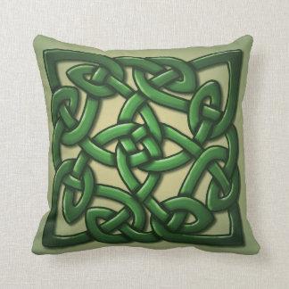 Nudo céltico en verde cojines