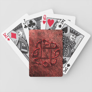 Nudo céltico metálico rojo en el cuero auténtico baraja de cartas bicycle