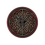 Nudo céltico metálico rojo oscuro y negro reloj de pared