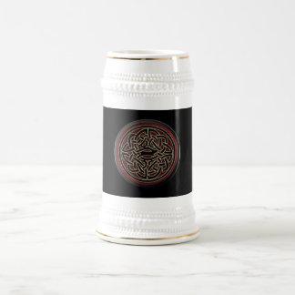 Nudo céltico metálico rojo oscuro y negro jarra de cerveza