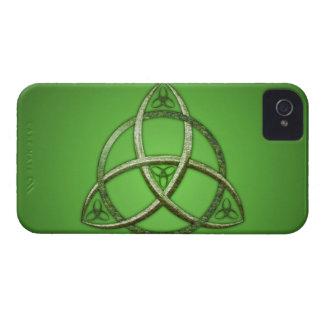 Nudo céltico verde de la trinidad Case-Mate iPhone 4 cárcasa