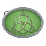 Nudo céltico verde de la trinidad hebillas cinturón ovales