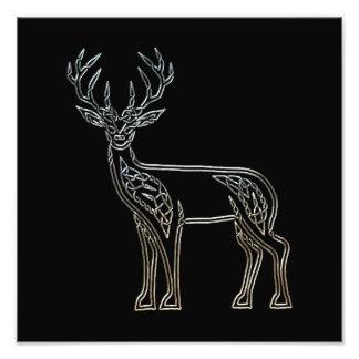Nudo de estilo celta de los ciervos de plata y cojinete