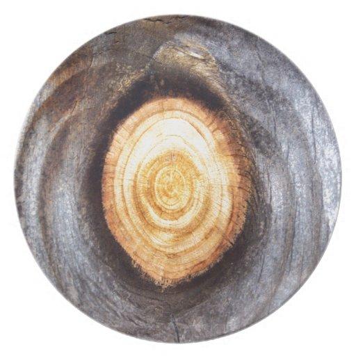 Nudo de madera resistido platos de comidas