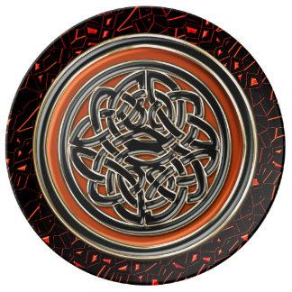 Nudo del Celtic del brillo de Halloween Platos De Cerámica