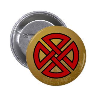 Nudo del escudo (rojo y negro en grunge del moreno pin redondo de 2 pulgadas