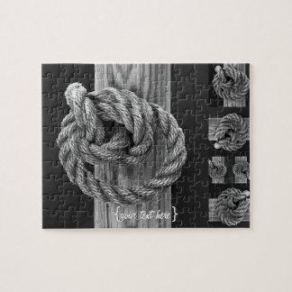 Nudo minimalista de la cuerda rompecabeza con fotos