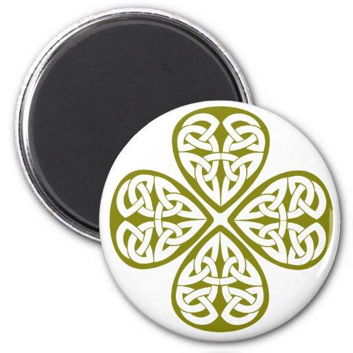 nudo verde oliva del celtic del trébol iman