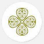 nudo verde oliva del celtic del trébol etiqueta redonda