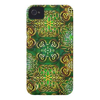 Nudos 2 del Celtic Carcasa Para iPhone 4 De Case-Mate