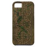 Nudos célticos decorativos con la hiedra iPhone 5 Case-Mate protector
