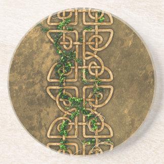 Nudos célticos decorativos con la hiedra posavasos manualidades