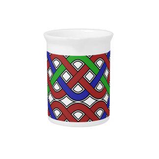 Nudos célticos del azul, verdes y rojos jarra de beber
