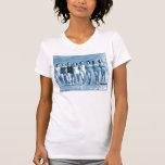 Nueces de la playa del kitsch retro de las mujeres camisetas