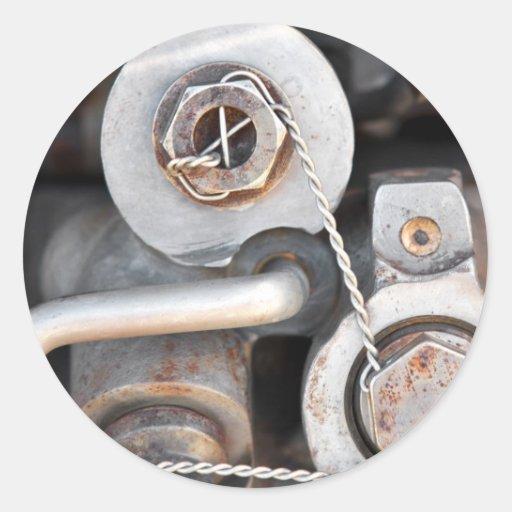 Nueces de Steampunk - y - pernos con el alambre Pegatina Redonda