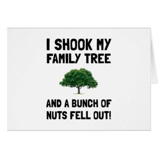 Nueces del árbol de familia tarjeta de felicitación
