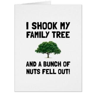 Nueces del árbol de familia tarjeta de felicitación grande