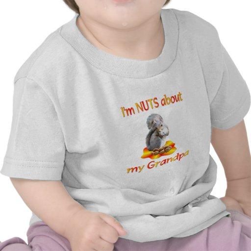 Nueces sobre abuelo camiseta
