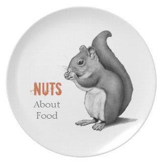 Nueces sobre la comida: Ardilla: Dibujo de lápiz d Plato De Comida