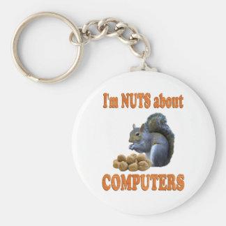 Nueces sobre los ordenadores llavero redondo tipo pin