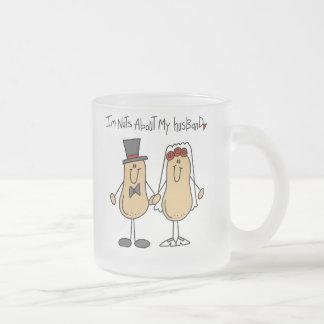 Nueces sobre mis camisetas y regalos del marido tazas