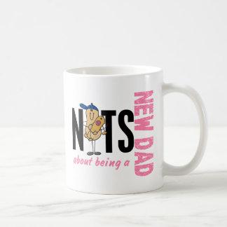 Nueces sobre ser un nuevo papá 1 (rosa) taza