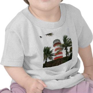 Nuestra isla magnífica de Bahamas del faro de Luca Camiseta