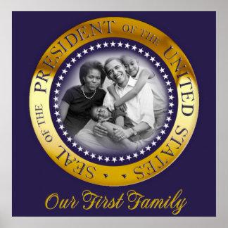 Nuestra primera familia, retrato presidencial del  posters