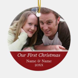 Nuestra primera foto del navidad - escoja echado a ornamente de reyes