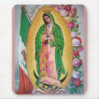 Nuestra señora de Guadalupe con la bandera mexican Alfombrillas De Raton