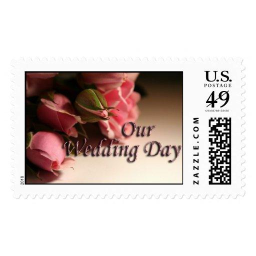 Nuestras flores del rosa del día de boda estampilla