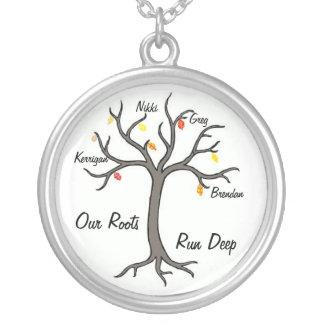 Nuestras raíces funcionan con el collar de encargo