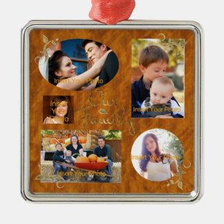 Nuestro collage del álbum de foto de familia adorno navideño cuadrado de metal
