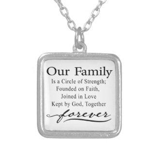 Nuestro collar de la cita de la familia