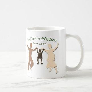 Nuestro logotipo de las adopciones de la familia taza clásica