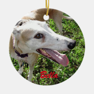 Nuestro ornamento del día de fiesta del perro adorno navideño redondo de cerámica