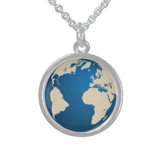 Nuestro planeta collar de plata esterlina