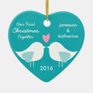 Nuestro primer navidad junto ama el ornamento de adorno navideño de cerámica en forma de corazón