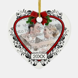 Nuestro primer navidad que casa el ornamento de la adorno de cerámica en forma de corazón