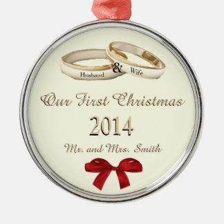 Nuestro primer navidad w/rings y ornamento del ornamente de reyes