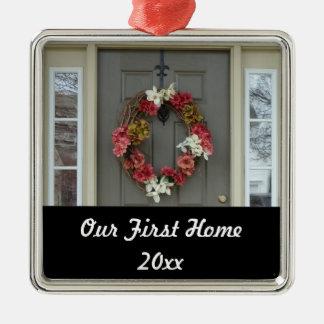Nuestro primer ornamento casero de la foto de la adorno navideño cuadrado de metal