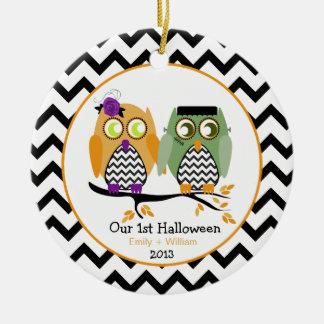 Nuestro primeros ornamento personalizado de adorno navideño redondo de cerámica