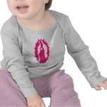 nuestro rosa de señora Guadalupe Camisetas