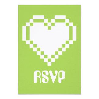 Nuestros corazones de 8 bits en la tarjeta de RSVP Invitación 8,9 X 12,7 Cm