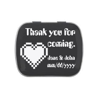 Nuestros corazones de 8 bits en lata negra del jarrones de caramelos