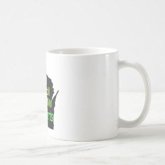 Nueva cal unida del logotipo del consejo en negro taza básica blanca