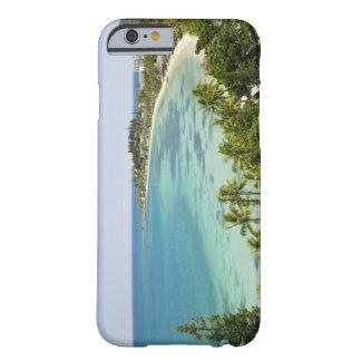 Nueva Caledonia, grande isla de Terre, Noumea. Funda De iPhone 6 Barely There