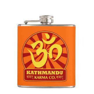 Nueva edad de Katmandu y símbolo budista de OM Petaca