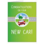 Nueva enhorabuena del coche, coche en el camino felicitación